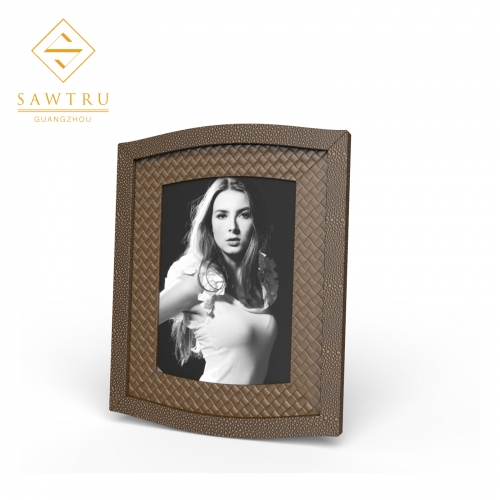 2019 High Quality Rectangle Gold Wooden pu Photo Frame